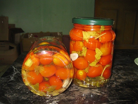 cherry tomato in jar 720 ml vietnamese products export